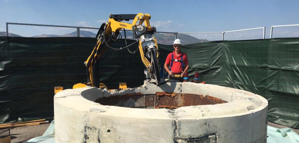 Centrale nucleare del Garigliano, avviata la demolizione del camino