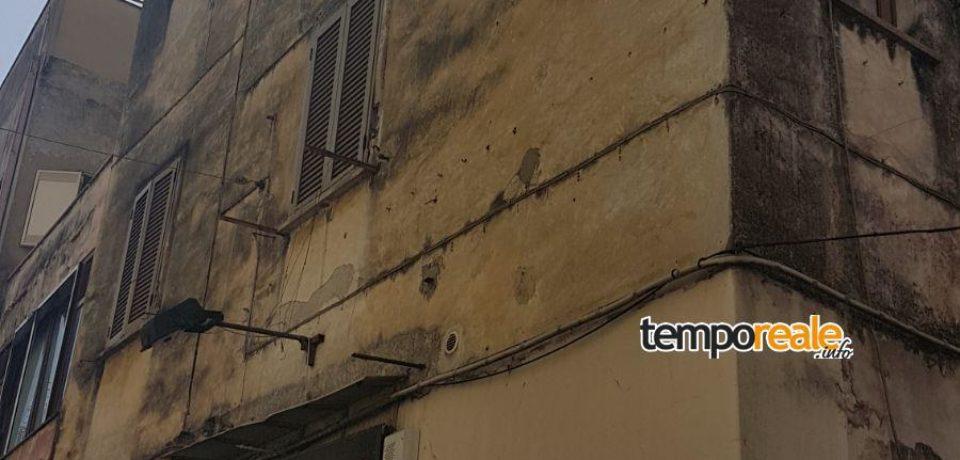 Formia / Il comune mette all'asta alcuni locali fatiscenti ed a rischio crollo (foto e video)