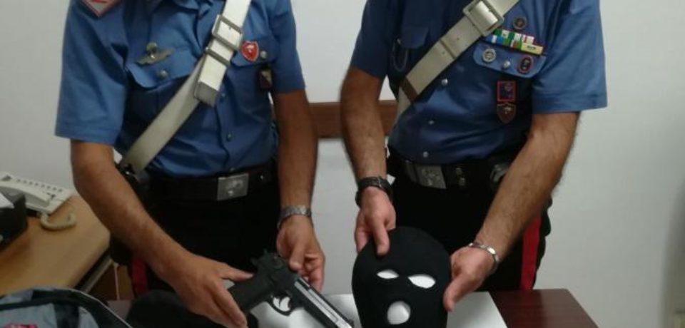 Gaeta / Ucraino arrestato per rapina con ancora indosso il passamontagna