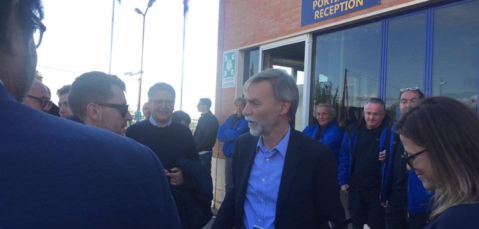 Mancoop, il ministro Delrio in visita allo stabilimento di Santi Cosma e Damiano (video)