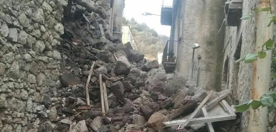 """Santi Cosma e Damiano / Crollo nel centro storico, Bozzella: """"Ancora nessun intervento"""""""