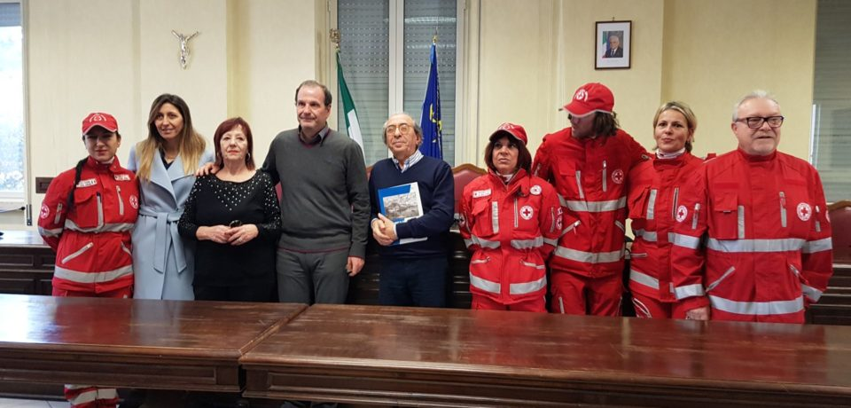 Gaeta / Comune, Solidarietà: donato defibrillatore alla CRI