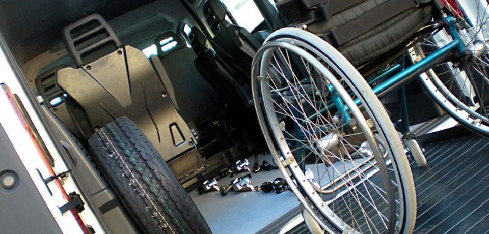 Sanità, forse uno spiraglio per i 60 disabili che rischiano di resta a piedi con il trasporto