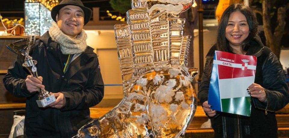 Gaeta / World Ice Art Competition: Shintaro Okamoto vince con l'Orso Bianco di Central Park