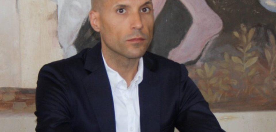 Sperlonga / Rinviati a giudizio Pacini e De Simone e si dimette l'assessore Maric