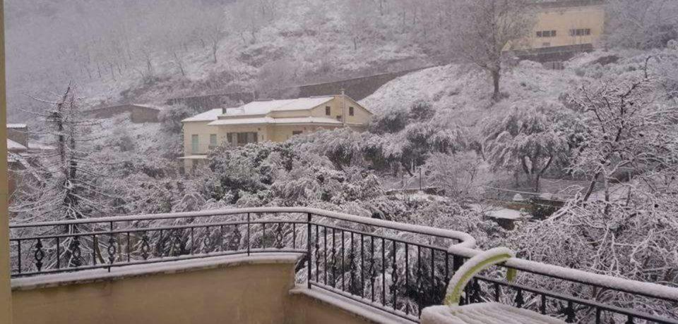 Neve, polemiche sulla tardiva chiusura delle scuole a Formia e Gaeta