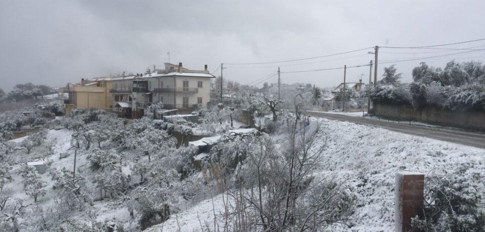Minturno / Neve, emessa ordinanza di chiusura di scuole e di alcune strade