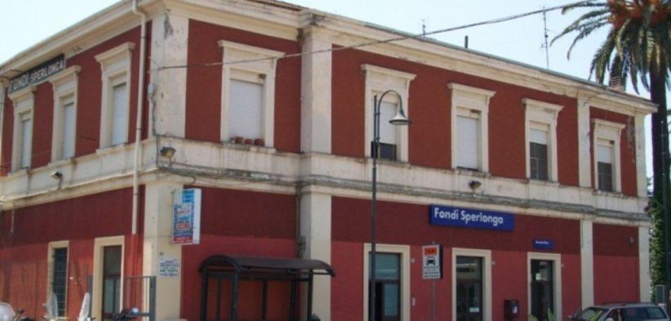 Fondi / Infermiere di Itri sventa rapina allo scalo ferroviario ai danni di un 80enne