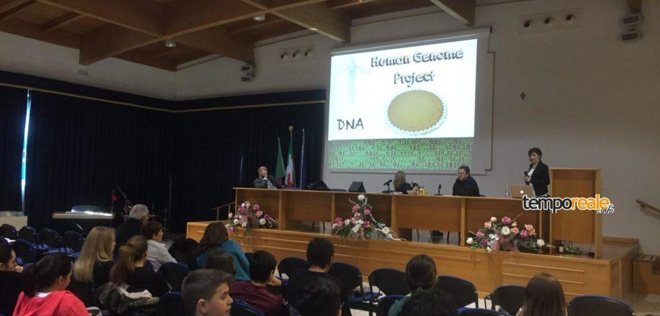 Minturno / Targa a Mariangela Morlando, in prima linea contro la SLA (video)