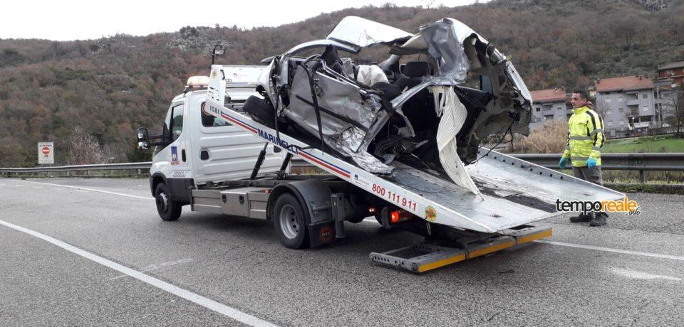 Scontro tra due auto sulla Superstrada Cassino-Formia: morti tre giovani