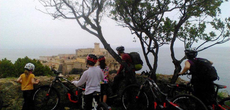 """Free E-Bike Gaeta Tour, """"pedalando"""" alla scoperta del patrimonio culturale e paesaggistico"""