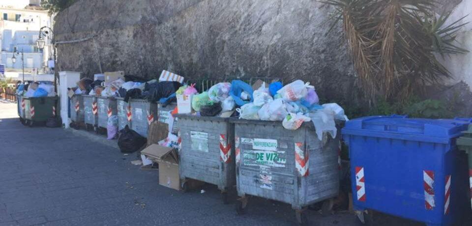 Ponza / Aumento della tassa sui rifiuti, l'attacco del consigliere Piero Vigorelli