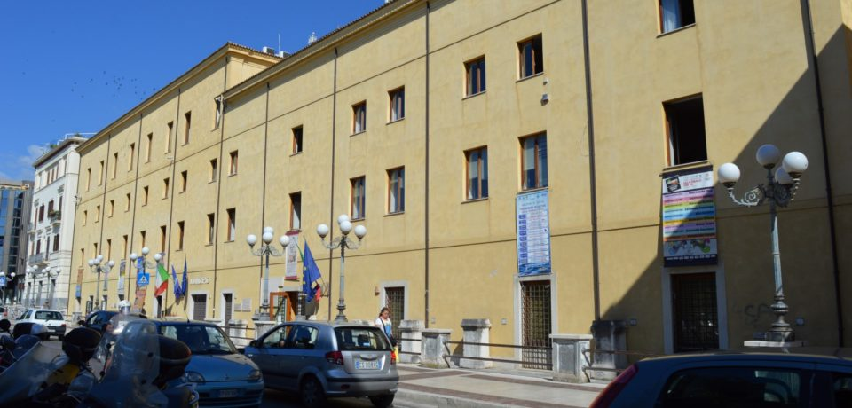 Formia / Il Tribunale dispone la riassunzione del dirigente Ottaviani: risarcimento da 100mila euro