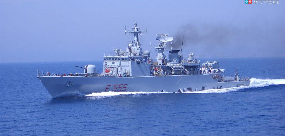Marina Militare, la Nave Driade in sosta a Gaeta