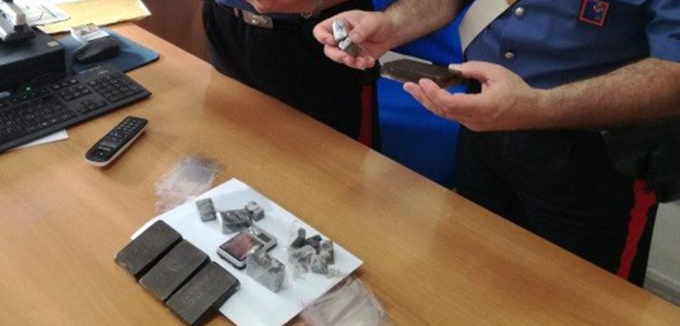 Minturno / Beccato con hashish in casa: arrestato 20enne per spaccio