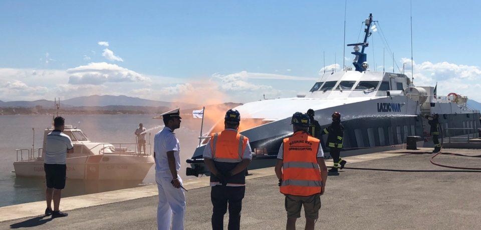 """Formia / Incendio su aliscafo """"Laura"""", ma è un'esercitazione della Guardia Costiera"""