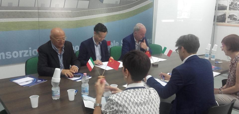 Sud Pontino, storico accordo nel settore tessile e moda con la Cina (video)