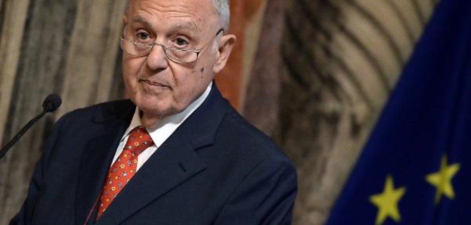Ministro Paolo Savona indagato per usura bancaria: la relazione tecnica scritta a Formia