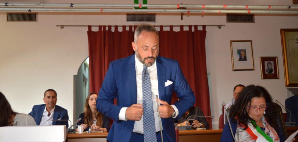 Formia / Imbarazzo in maggioranza: Di Gabriele lascia la difesa di Gustavo Bardellino