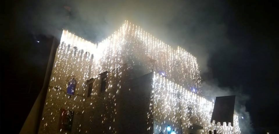 Minturno / Sagra delle Regne, fuochi d'artificio tra la folla: 18 feriti (video)