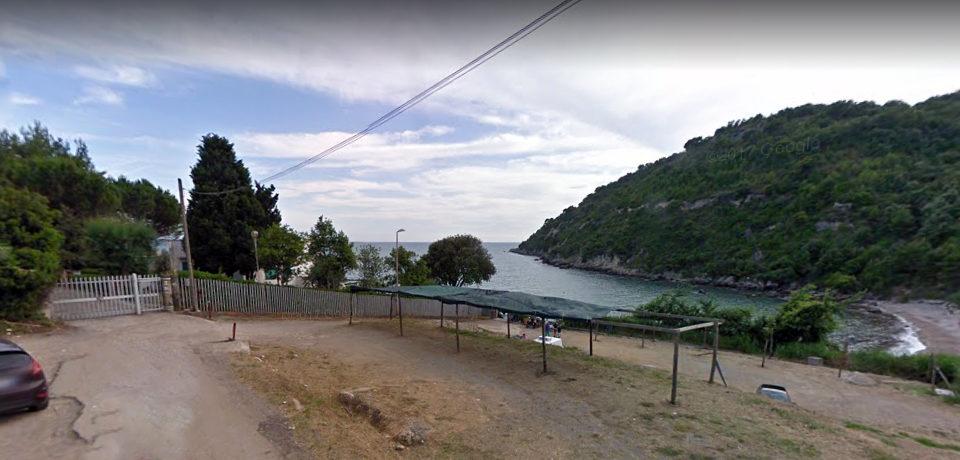 Scauri / Spiaggia dei Sassolini interdetta ai non residenti e fioccano le multe