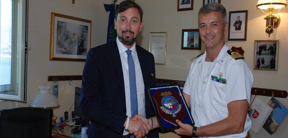 Gaeta / L'On. Raffaele Trano visita la Capitaneria di Porto