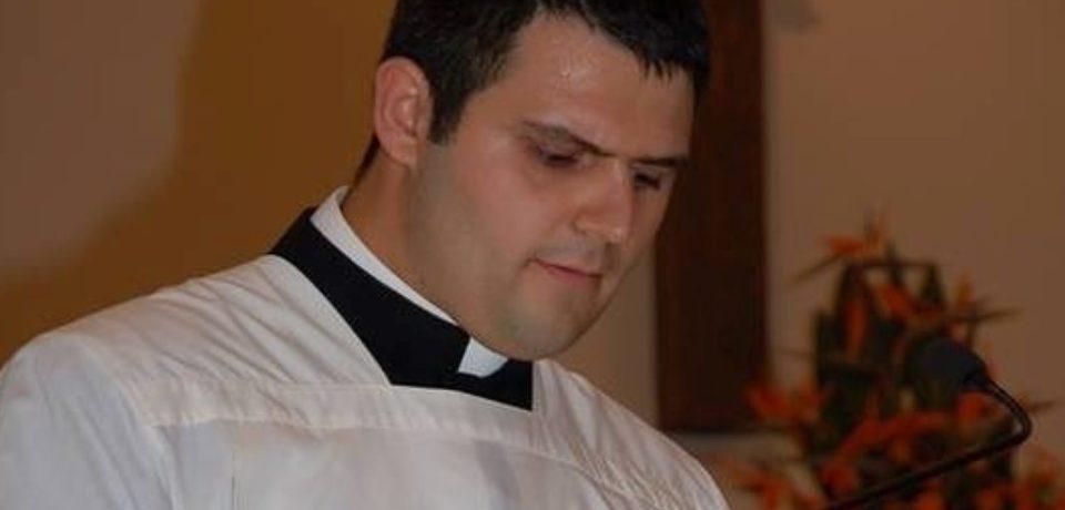 Scauri / La parrocchia dell'Immacolata ha un nuovo parroco: è Don Alessandro Corrente