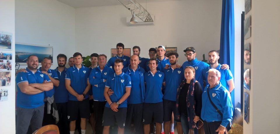 Basket Scauri: lo staff e i giocatori incontrano il sindaco Stefanelli