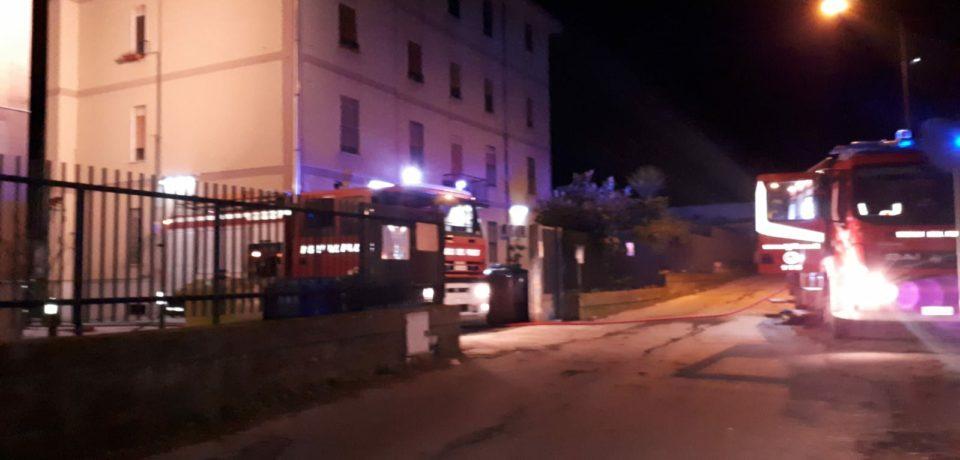 Scauri / Paura nella notte di Natale: fiamme in un appartamento
