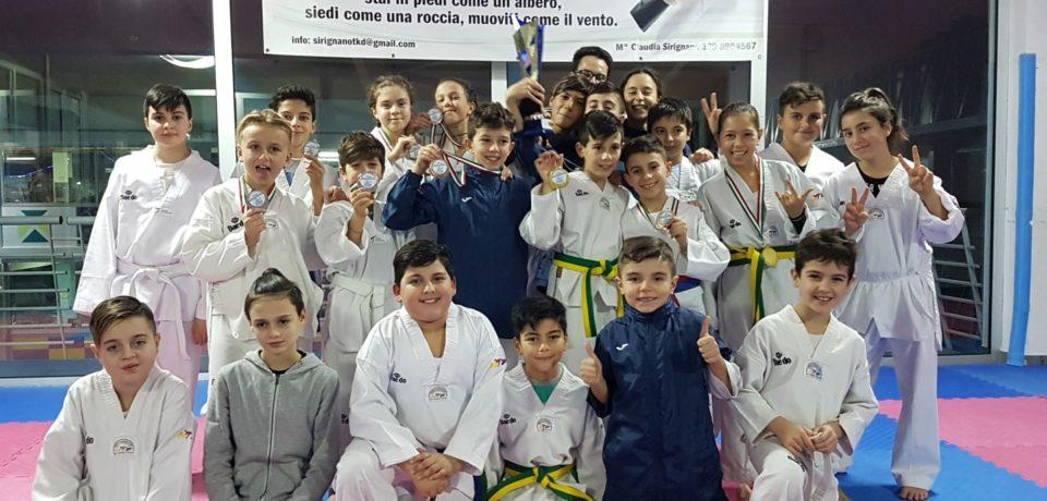 Taekwondo: la Scuola Sirignano conquista 18 medaglie al Campionato Interregionale Lazio
