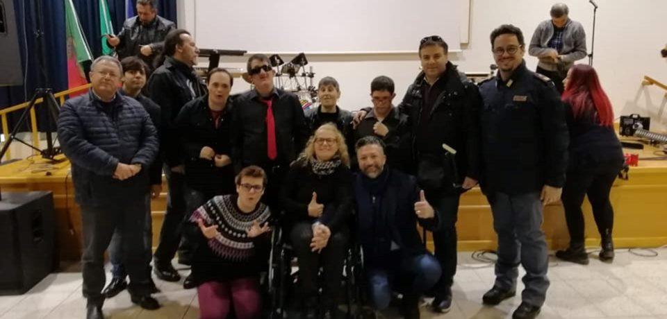 """Minturno / Quarta tappa dello """"Scuolatour"""" al Liceo Alberti, la Polizia premia i """"Ladri di carrozzelle"""""""
