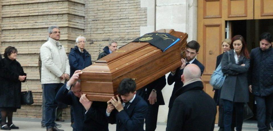"""Formia / Funerali ex sindaco Matteis, Di Rocco attacca la Villa: """"Doveva dichiarare lutto cittadino"""""""