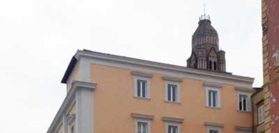 Gaeta / Picchia il parroco e reagisce ai carabinieri: 44enne arrestato