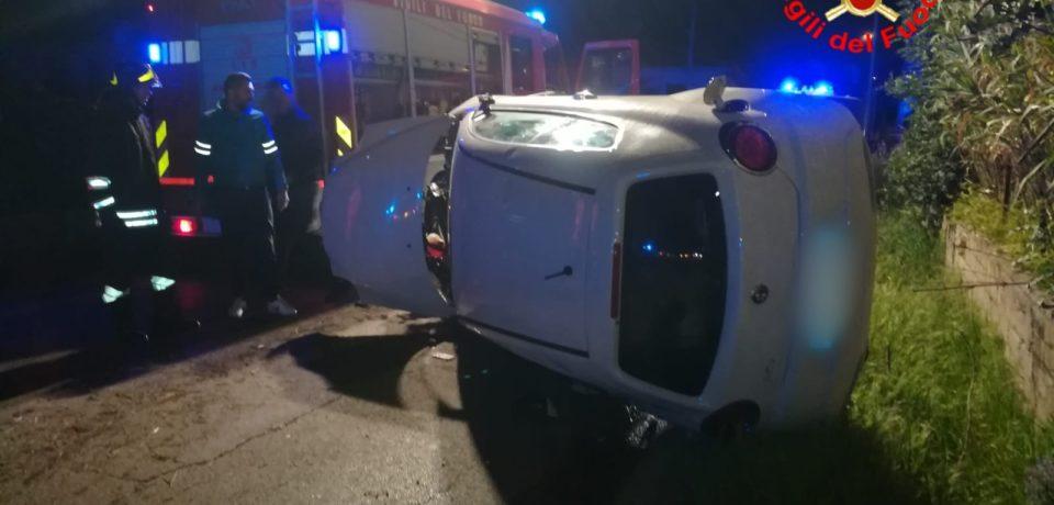 Castelforte / Si ribalta con l'auto, ferita una donna