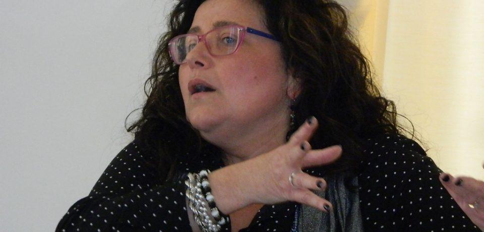 """Formia / Emergenza bomba, il sindaco Paola Villa ospite a """"Vista sul Golfo"""" su Teleuniverso"""