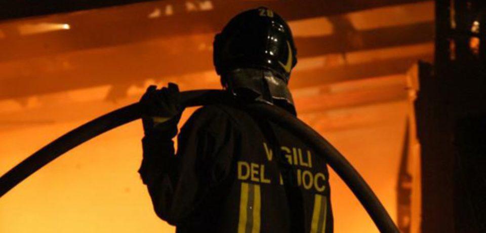 Fondi / Incendio in un'abitazione, morta un'anziana e ferito il marito