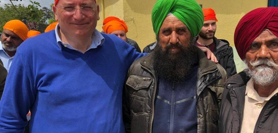Matteo Adinolfi incontra la comunità Sikh di Pontina per ribadire il no al razzismo