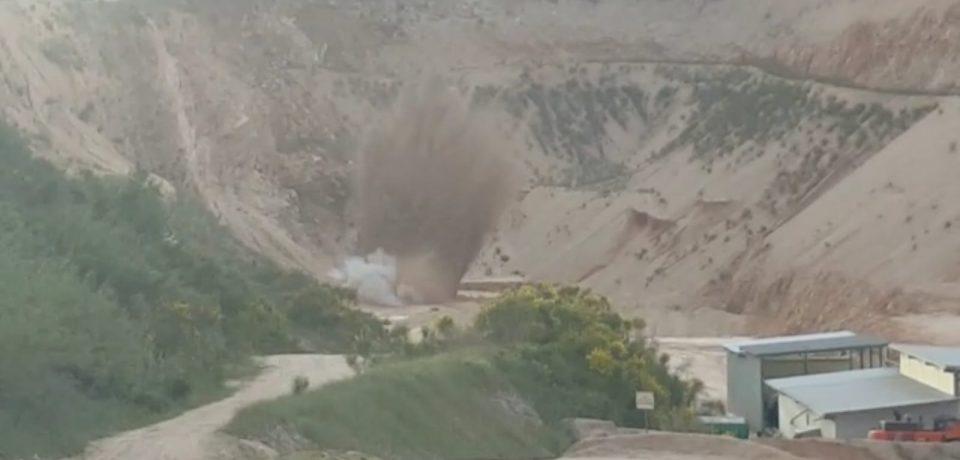 Formia / Spettacolare esplosione della bomba nella cava di Priverno [VIDEO]
