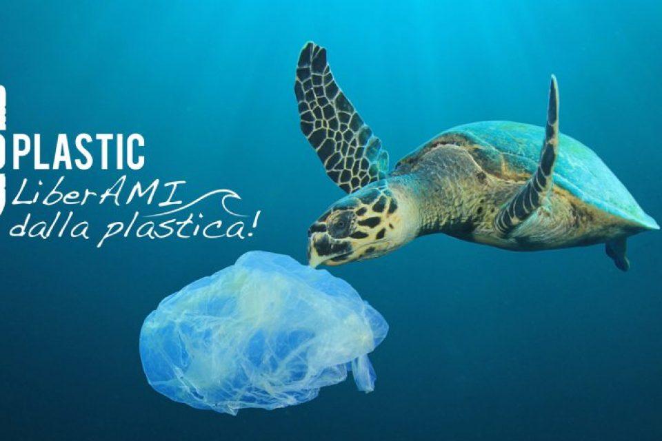 """Fondi / Emessa l'ordinanza sindacale """"plastic free"""""""