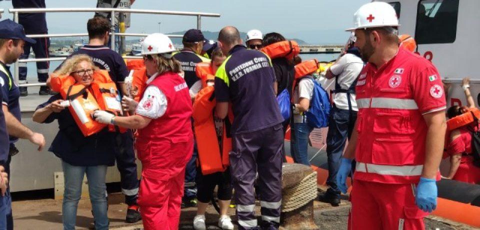 Formia / Incendio a bordo del traghetto: esercitazione al porto [VIDEO]