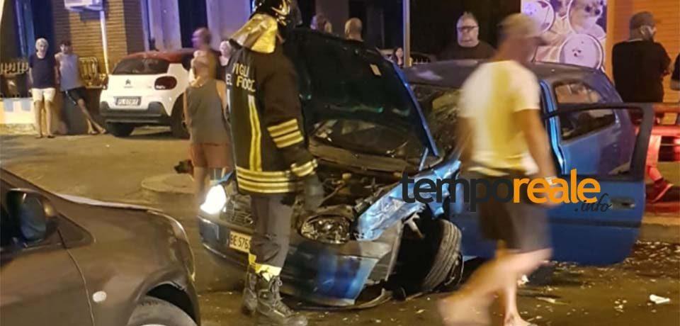 Scauri / Paura sulla Via Appia: violento scontro tra due auto