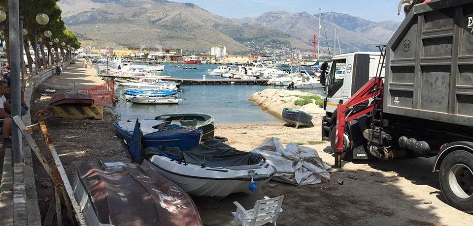 Gaeta / Bonifica del porto: rimosse numerose imbarcazioni