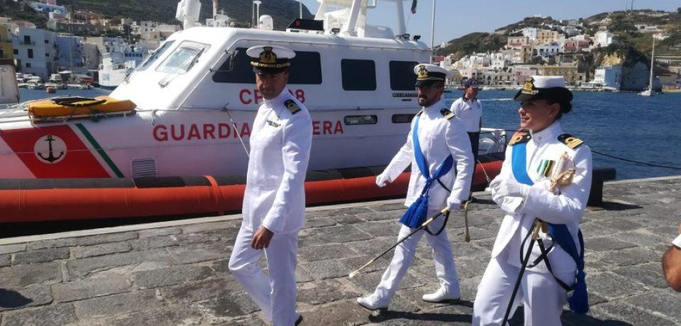 Ponza / Guardia Costiera, cambio al vertice: il nuovo comandante è il Tenente di Vascello Diego Baglivo
