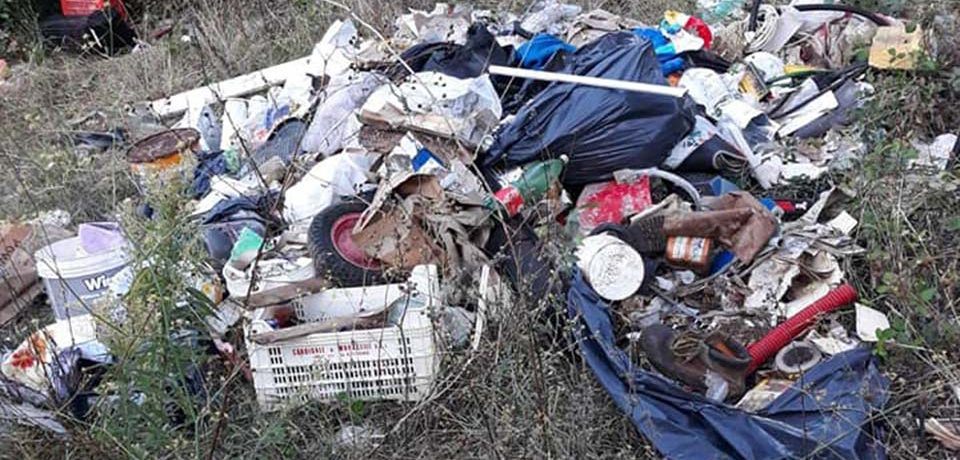Itri / Discarica abusiva in località Valle del Liri, sanzionato il responsabile