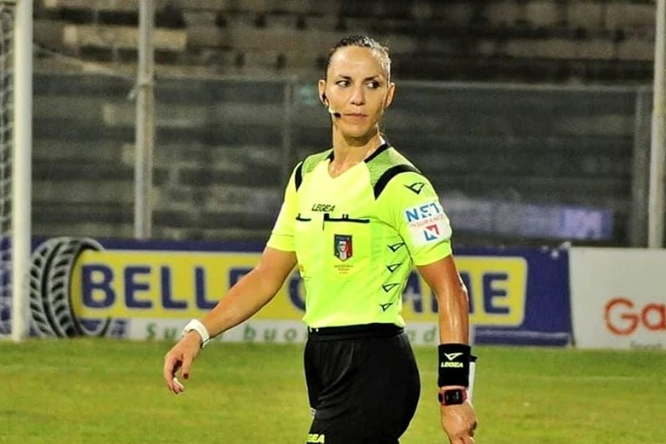 Calcio, insulti sessisti ad una guardalinee di Latina
