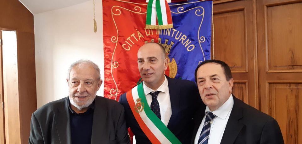 Minturno / Conferita la cittadinanza onoraria a Don Simone Di Vito e Pasquale Mammaro
