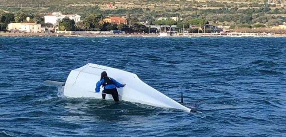 Velisti in difficoltà per il mare mosso e il forte vento, soccorsi dalla Guardia Costiera di Gaeta