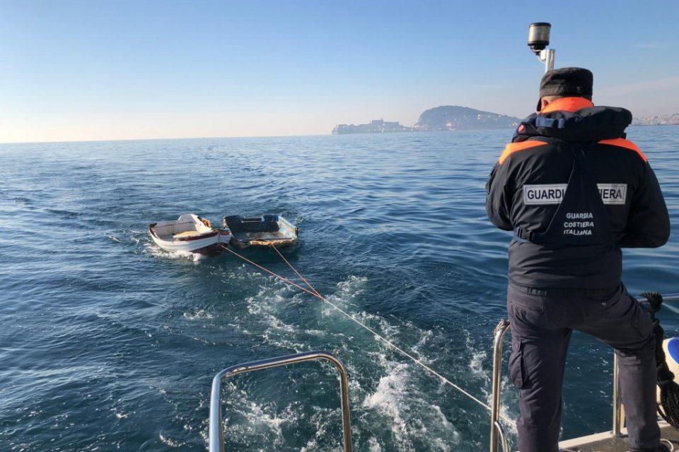 Formia / La Guardia Costiera recupera due imbarcazioni alla deriva