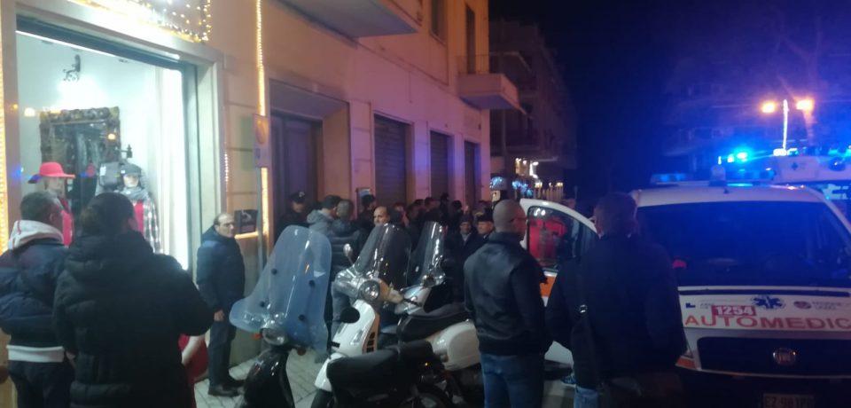 Formia / Omicidio-suicidio di Piazza Mattej, l'autopsia: le vittime crivellate di colpi