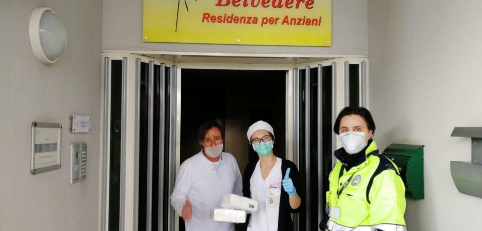 Coronavirus, continua la distribuzione di mascherine all'interno della città di Formia